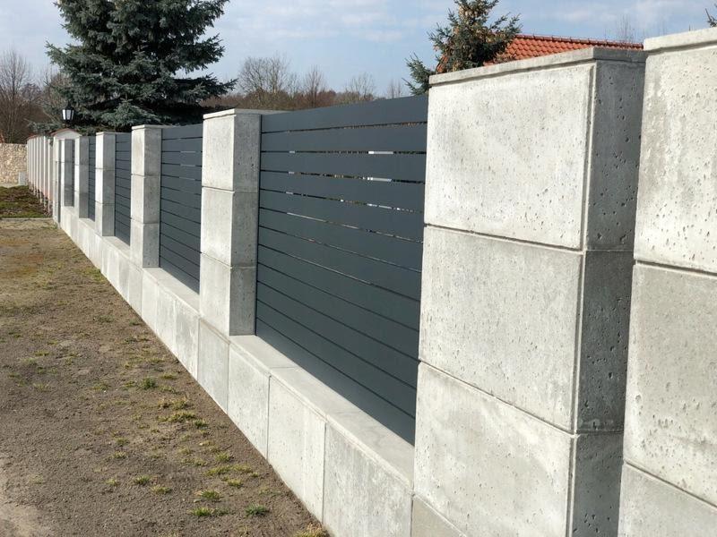 Ogrodzenie z bloczków betonowych – podmurówka