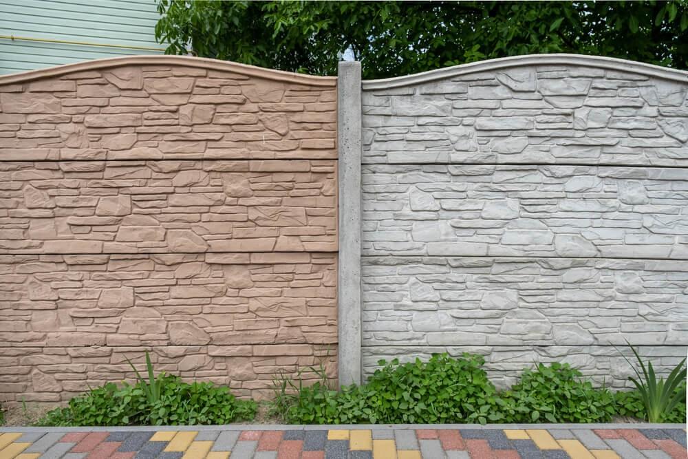 Malowanie ogrodzenia betonowego