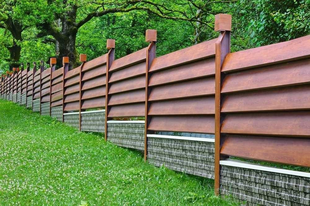 Drewniane ogrodzenie żaluzjowe