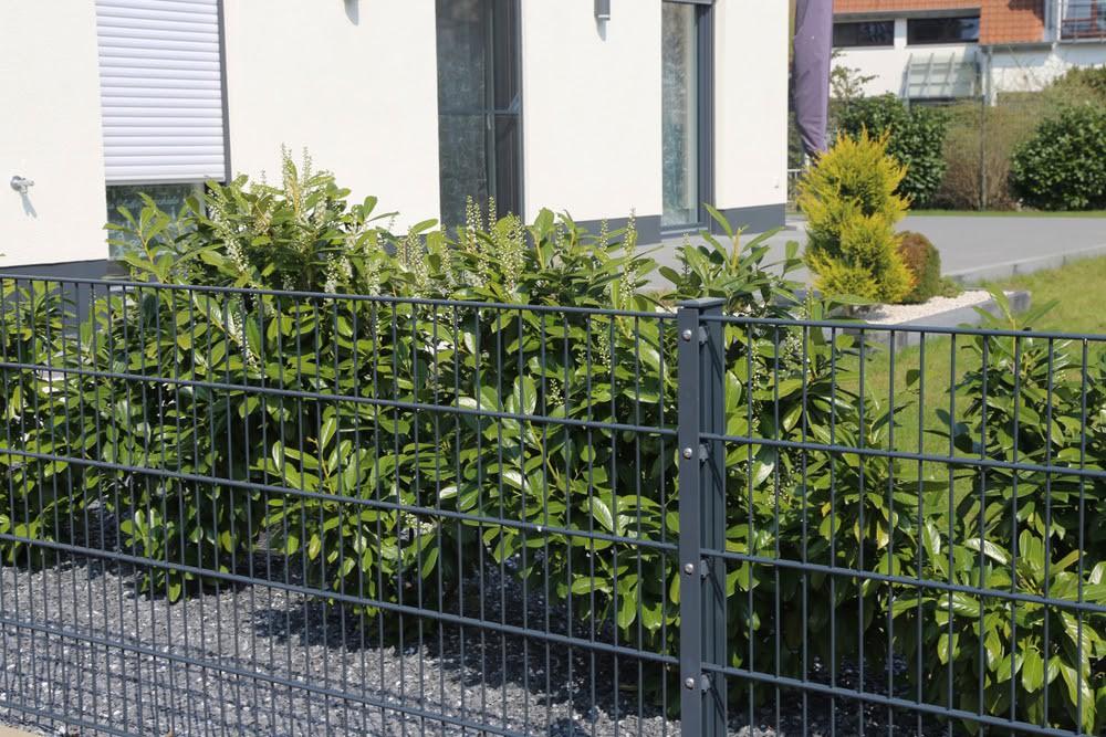 Nowoczesne ogrodzenie do domu - ogrodzenie panelowe