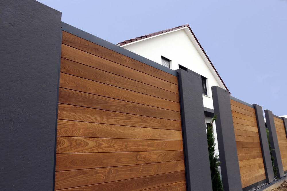 Nowoczesne ogrodzenie palisadowe - palisady poziome - Betto..pl