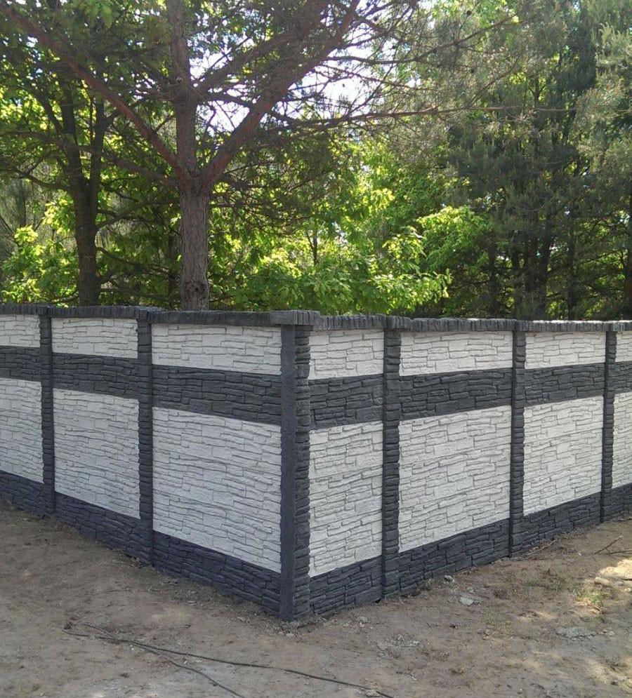 Ogrodzenie betonowe dwustronne z elementów w dwóch kolorach - betto.pl